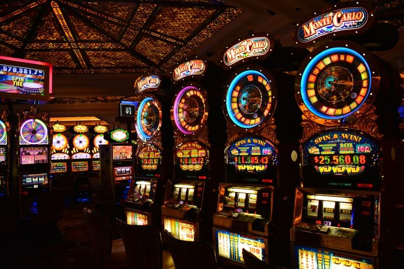 играть бесплатно в автоматы игровые ешки